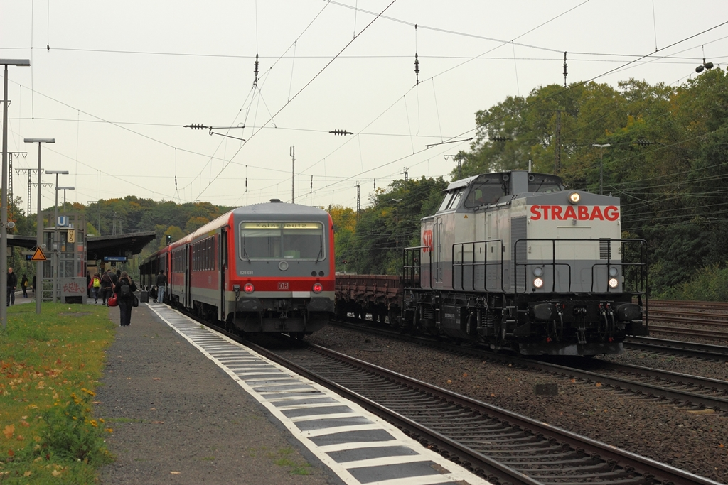 Strabag 203 166-4 in Köln West am 17.10.2012