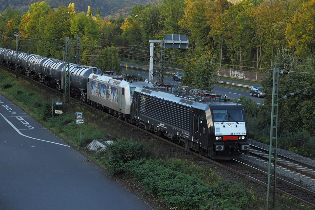 TXL ES 64 F4-016 (189 916) mit TXL 185 540 in Bad Honnef am 15.10.2012