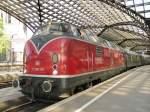 V200/138054/db-v200-116-mit-einem-sonderzug DB V200 116 mit einem Sonderzug nach Hamburg in Köln Hbf am 7.5.2011